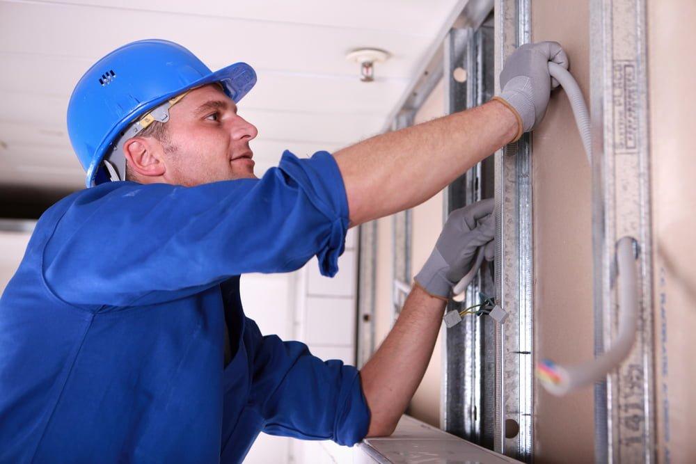 choosing electrical contractor